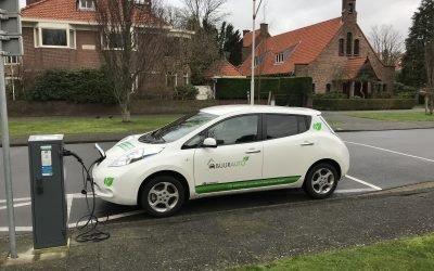 Rijdt u ook minder dan 15.000km per jaar? Check dan of een elektrische deelauto iets voor u is!
